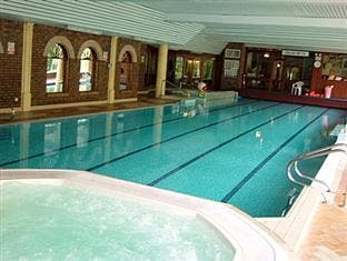 Former school teacher found dead at hotel swimming pool derry daily for Hotels in donegal town with swimming pool