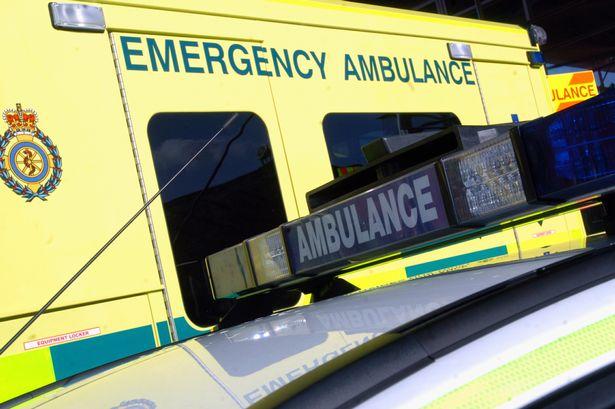 ambulance-2587973