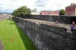 Derry Walls....defaced again