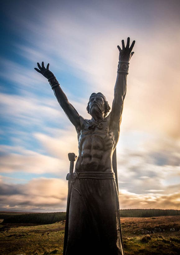 Manannan MacLir returns to the water in showcase spectacular – Derry