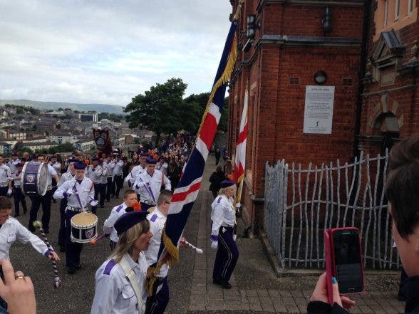 thousands take part in annual apprentice boys of derry parade derry daily. Black Bedroom Furniture Sets. Home Design Ideas